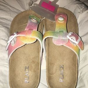 Girls thong sandals by The Children's Place! Sz. 2